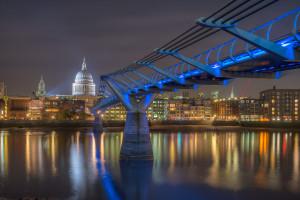 St. Paul's Cathedral, Millennium Bridge, River Thames
